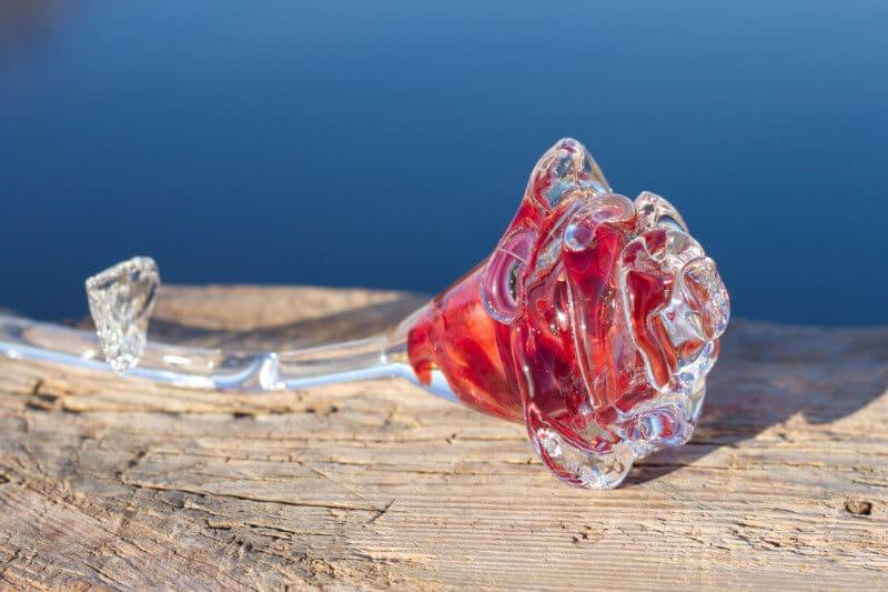 Glas rood roos as