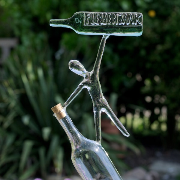 Glassculptuur De Flessenzaak