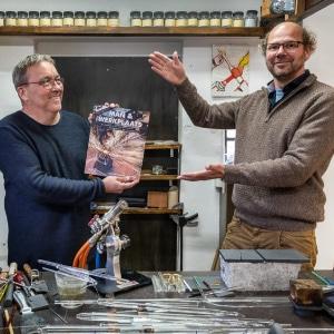 Boek Man en Werkplaats Fotograaf Otto Kalkhoven Glasblazer Alwin Overwater