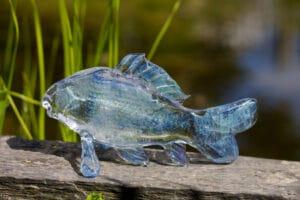 Massief glazen karper blauw met as