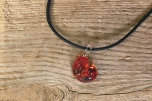 Hanger Glas Pompeblêd rood