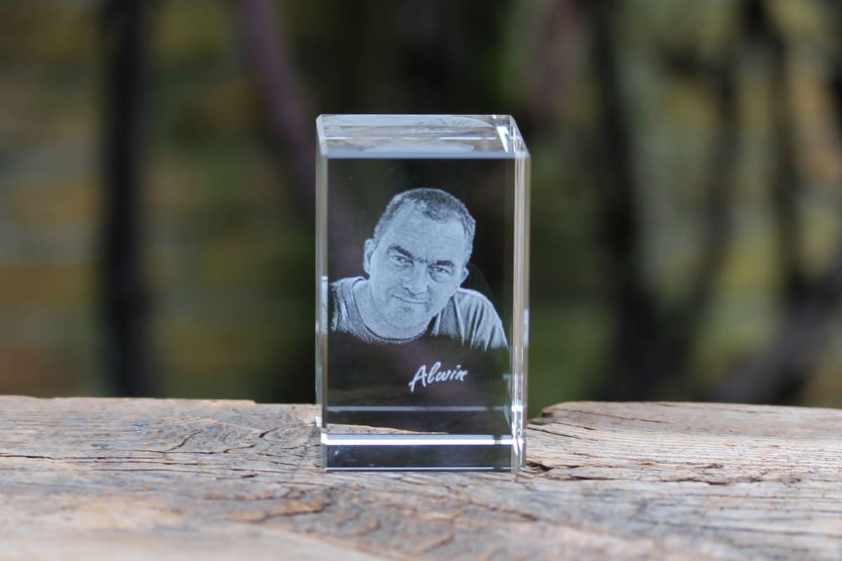 Foto in glas - Lasergravure Kristal Blok Verticaal 50x50x80 2D